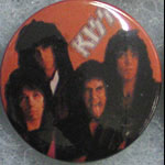 Kiss Button Pin